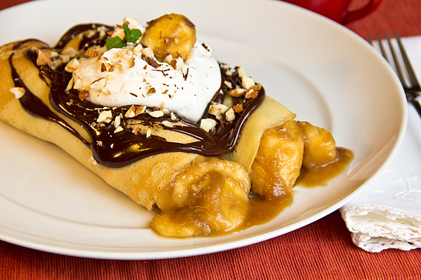 Hot Buttered-Rum Banana Crepes