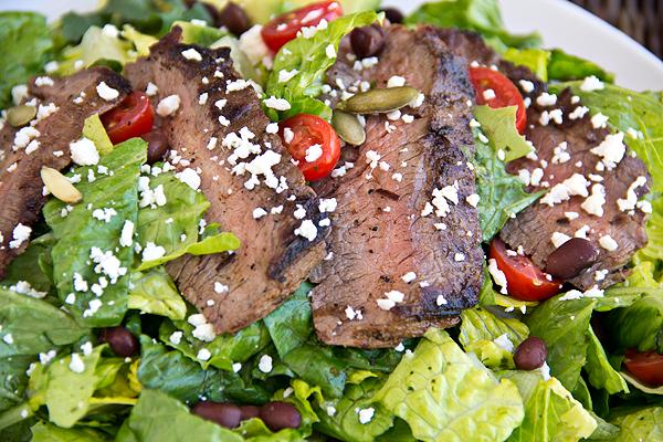 http://thecozyapron.com/wp-content/uploads/2012/06/steak-salad_06-24-12_3_ca.jpg