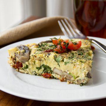 Vegetable Frittata | thecozyapron.com