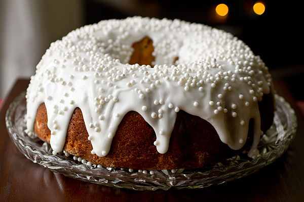 A Cozy Holiday: And Momma's In The Kitchen Baking Cherry-Almond Winter Cake For Christmas