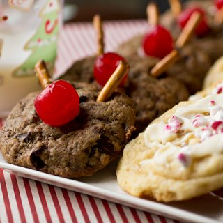 "A Cozy Holiday: ""Rudolph's Favorite"" vs. ""Santa's Favorite"" Christmas Cookies, To Each Their Own"