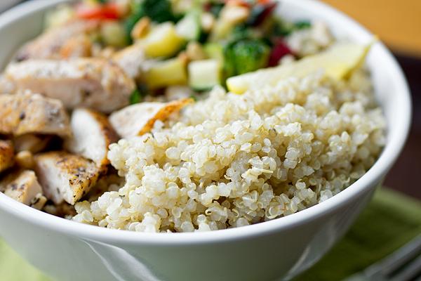 Quinoa Bowl | thecozyapron.com