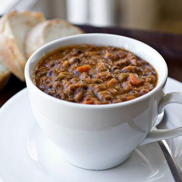 Black-Eyed Pea Soup | thecozyapron.com