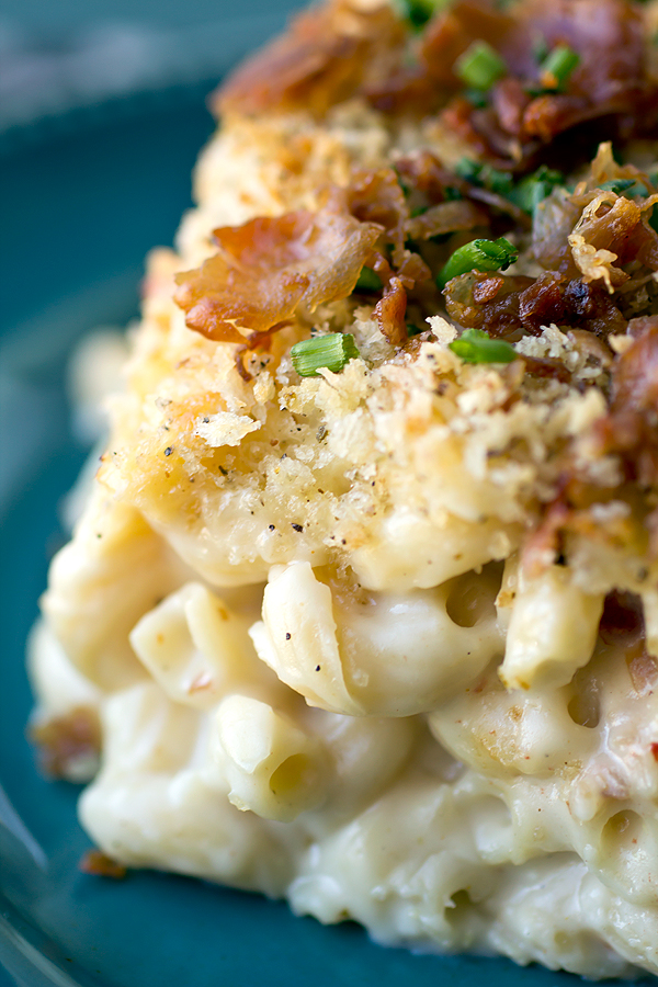 Baked Mac and Cheese | thecozyapron.com