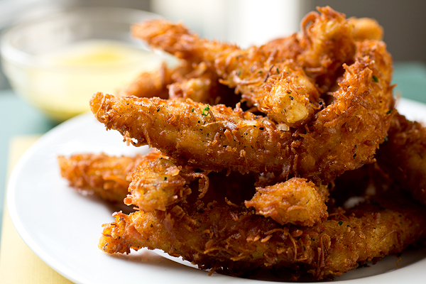 Coconut Crunch Chicken Strips | thecozyapron.com