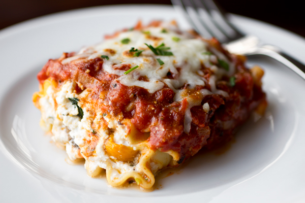 "A Cozy Pasta: Lasagna ""Wrap Ups"", Perfectly Well-Wrapped Little Packages Of Deliciousness post image"
