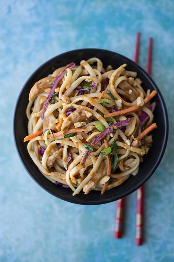 Asian Noodle Salad with Peanut Dressing | thecozyapron.com