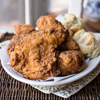 Buttermilk Fried Chicken | thecozyapron.com