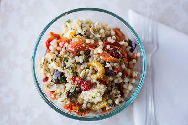 A Cozy Lunchbox: Grilled Tuna & Toasted Israeli Couscous Salad To Enjoy Under A Lemony Sun