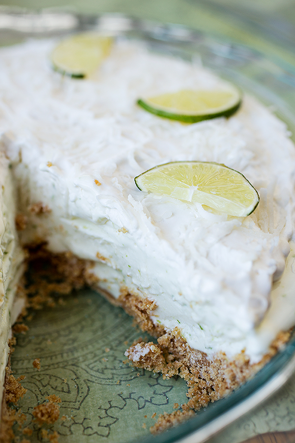 Coconut-Lime Icebox Pie | thecozyapron.com