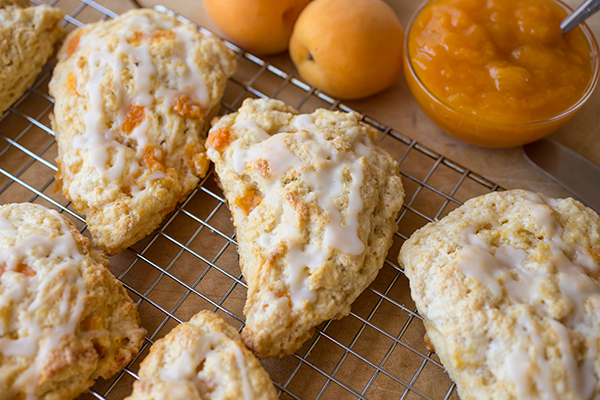 Lemon-Apricot Scones | thecozyapron.com