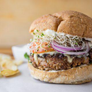 Veggie Burger | thecozyapron.com