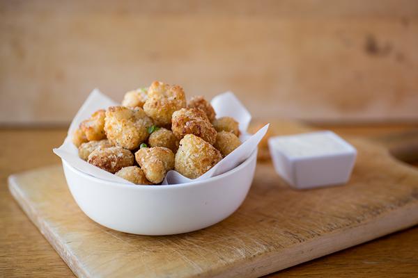 "Crispy Parmesan-Cauliflower ""Poppers"" w/ Creamy Buttermilk Ranch Sauce"