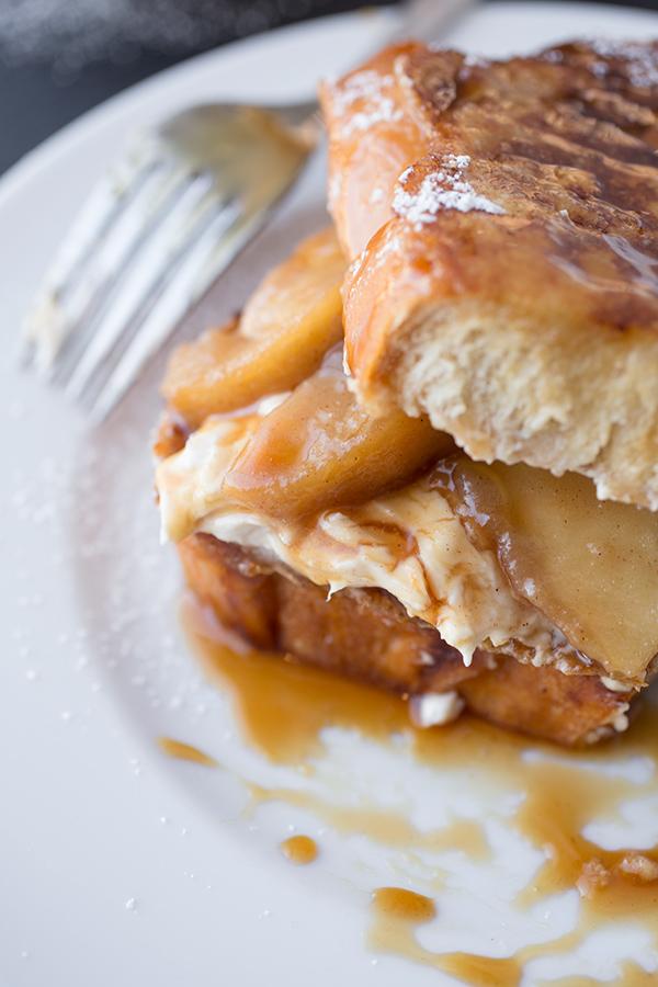 Caramel Apple French Toast | thecozyapron.com
