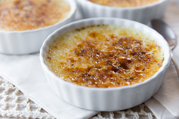 A Cozy Holiday: Eggnog Creme Brulee, a Sweet Ending for a Fairytale-like Evening