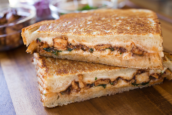 Bbq Chicken Pizza Grilled Cheese No Dough Needed Or Kneaded