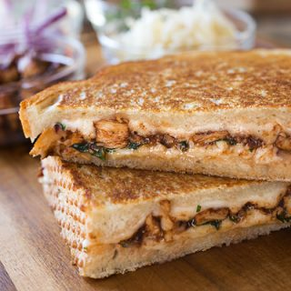 "BBQ Chicken ""Pizza"" Grilled Cheese, No Dough Needed (Or Kneaded)"