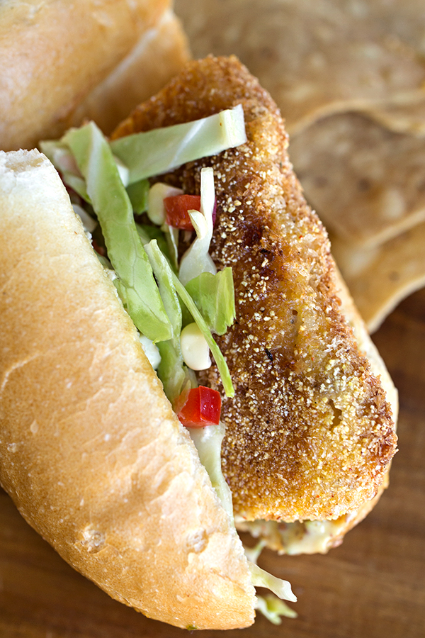 Spicy and Crispy Fish Sandwich | thecozyapron.com