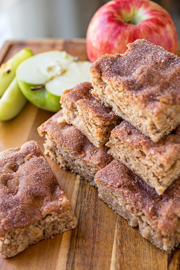 Apple and Brown Sugar Snickerdoodle Cake | thecozyapron.com