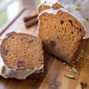 Pumpkin Patch Spice Bread | thecozyapron.com