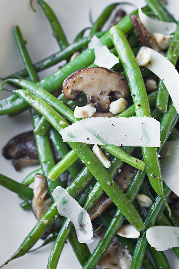 green beans and fresh green beans with bacon bacon mushrooms herbs ...