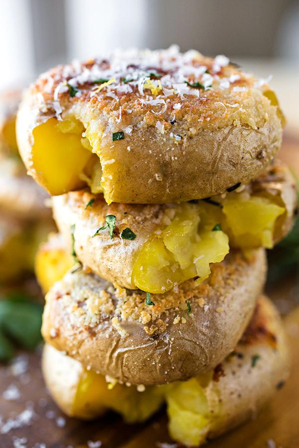Crispy-Roasted Smashed Parmesan Potatoes | thecozyapron.com