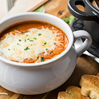 Tomato-n-Grilled Cheese Soup | thecozyapron.com