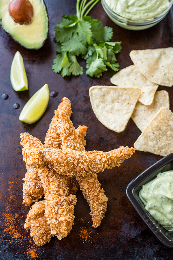 Tortilla Crunch Chicken Strips | thecozyapron.com