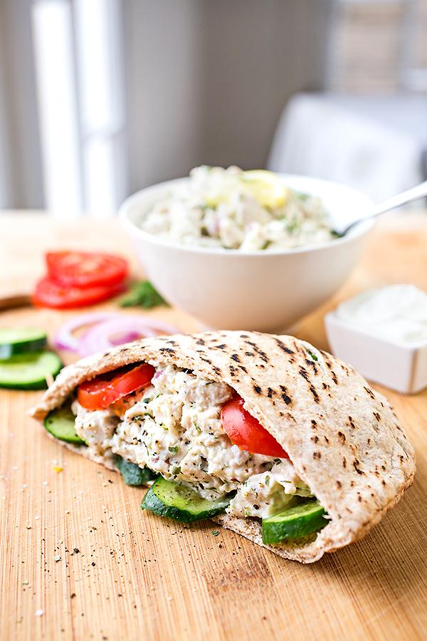 Lemon Chicken Salad | thecozyapron.com