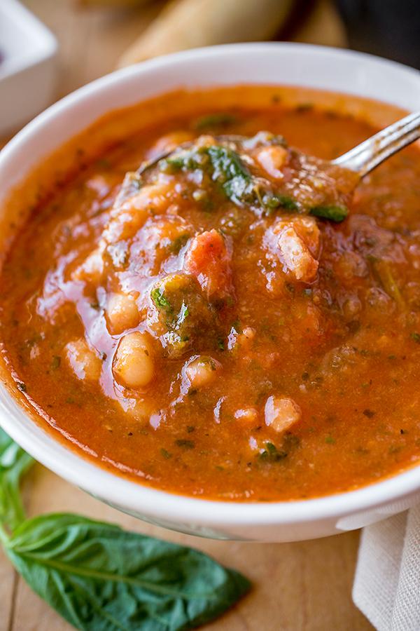 Summer Tomato-Basil Soup | thecozyapron.com