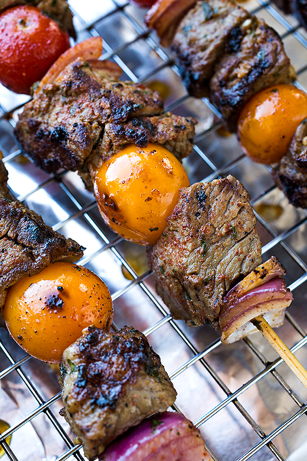 Grilled Steak Kebabs | thecozyapron.com