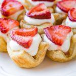 Strawberry Lemon Cream Tartlets | thecozyapron.com