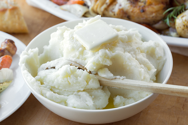 The Best Basic Mashed Potatoes | thecozyapron.com