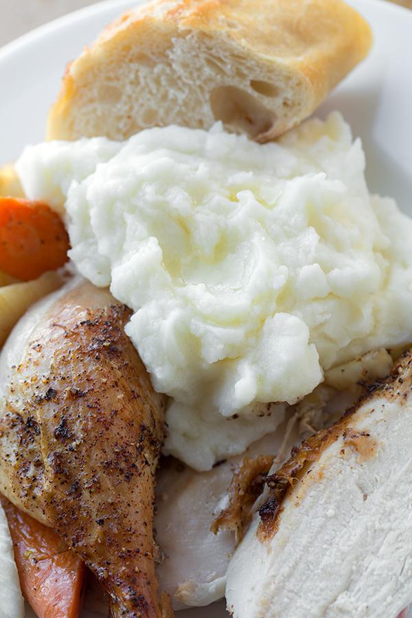 The Best Basic Mashed Potatoes | thecozyapron.com