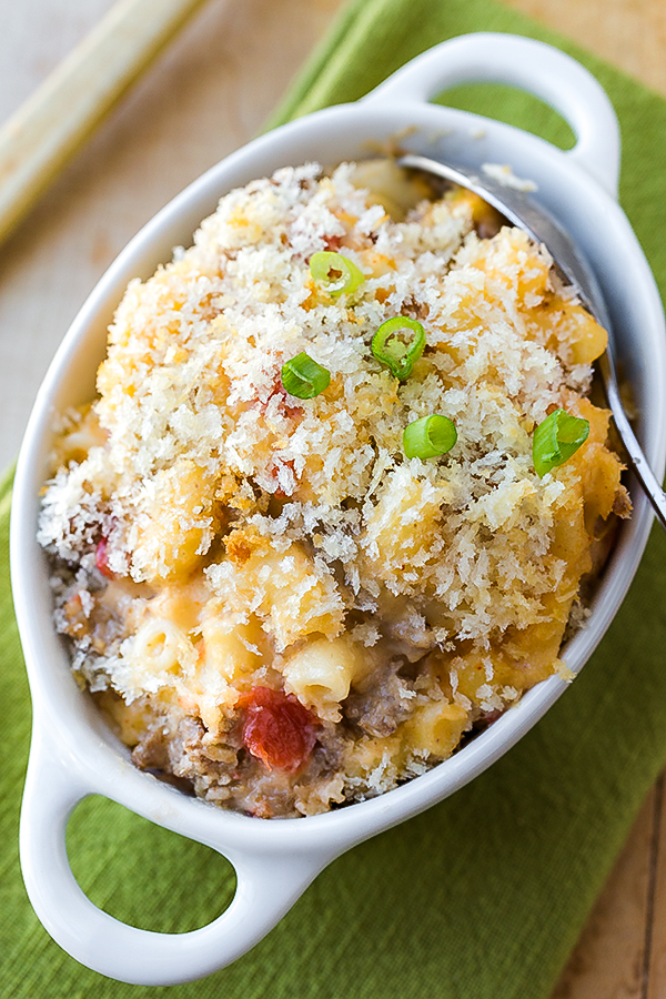 Cheeseburger Macaroni and Cheese | thecozyapron.com