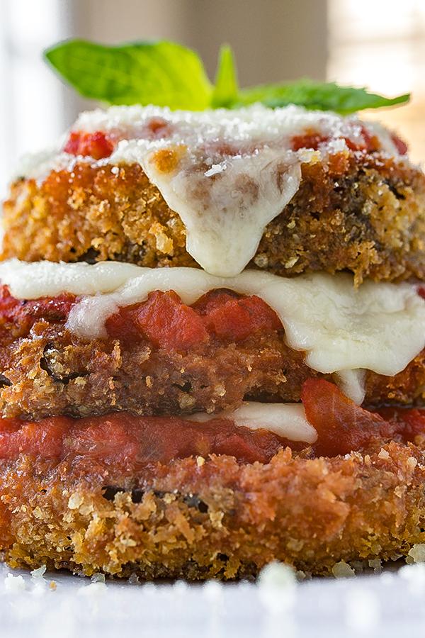 Eggplant Parmesan | thecozyapron.com