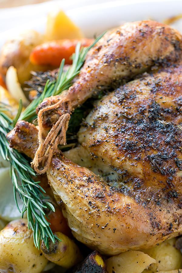 Roasted Chicken | thecozyapron.com