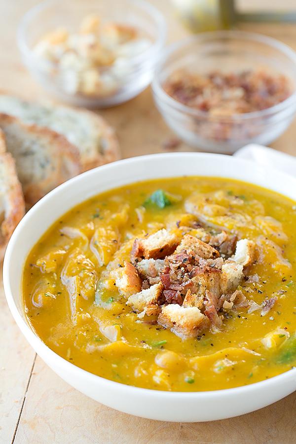 Butternut Squash Soup | thecozyapron.com