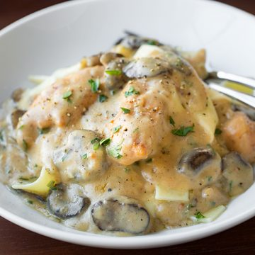 Chicken Stroganoff with Mushrooms | thecozyapron.com