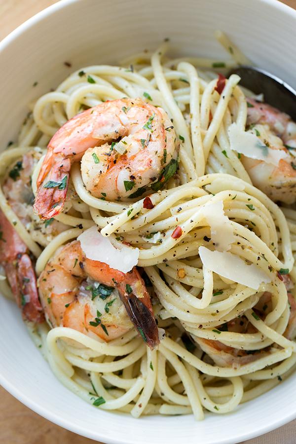 Shrimp Scampi | thecozyapron.com