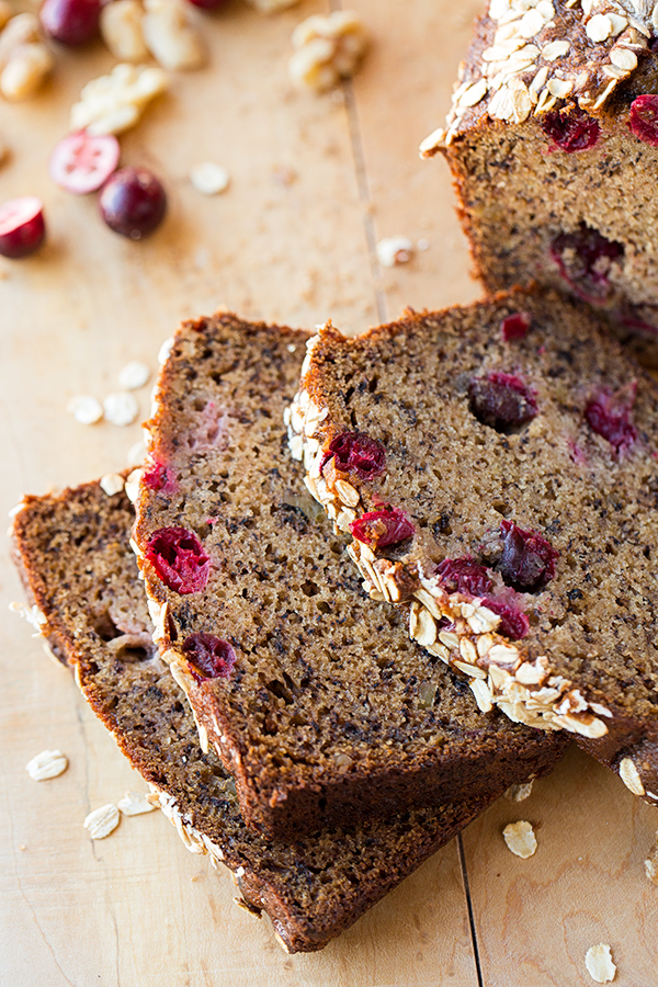 Cranberry-Walnut Banana Bread | thecozyapron.com