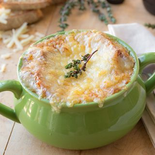 Classic French Onion Soup | thecozyapron.com