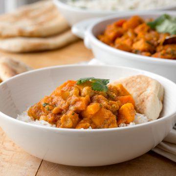 Vegetable Curry | thecozyapron.com