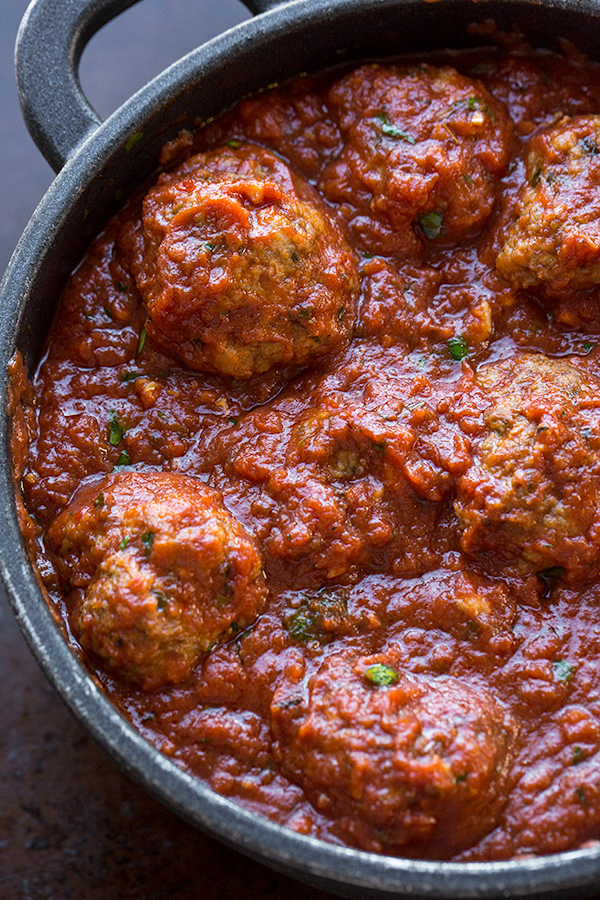 Italian Meatballs | thecozyapron.com