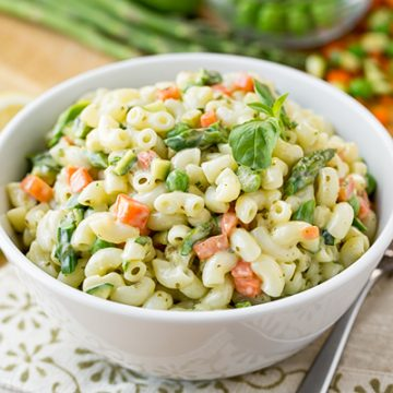 Macaroni Salad with Spring Vegetables | thecozyapron.com