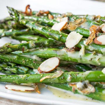 Sauteed Asparagus | thecozyapron.com
