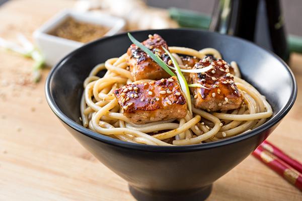 Teriyaki salmon noodle bowls - Cuisine cosy fly ...