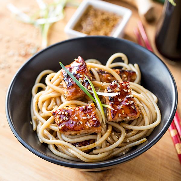 Teriyaki Salmon Noodle Bowls | thecozyapron.com