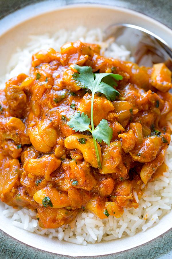 Cashew Chicken Curry | thecozyapron.com