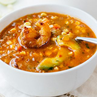 Summer Corn Soup with Shrimp | thecozyapron.com